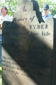 Jaocubs B. Ryder stone (d. 1814), photograph by Andrea Coyle.