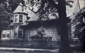 The Agnes Lake House, 424 Gravesend Neck Road from Maud Esther Dilliard's Old Dutch Houses of Brooklyn (1945).